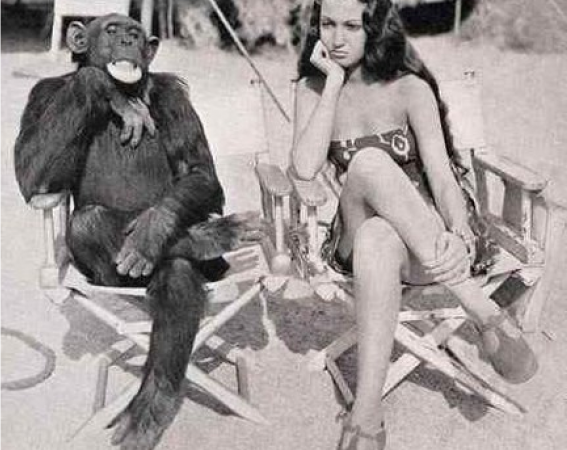 """Jiggs et Dorothy Lamour sur le tournage de """"Her Jungle Love"""" 1938"""